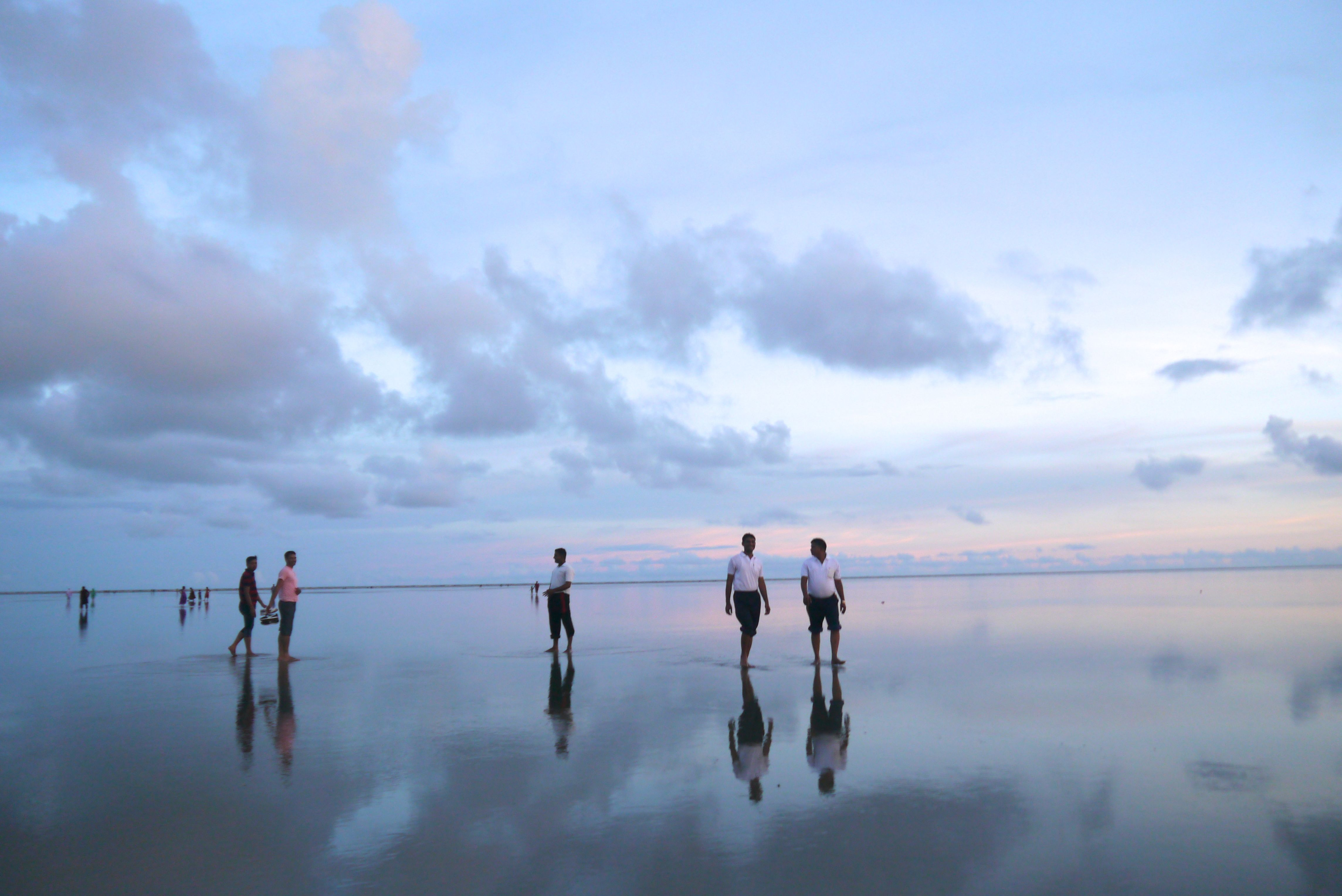 an evening walk by the sea shore essay We reached there in the evening  the youngsters went to the sea shore in groups, we enjoyed the cool breeze,  the elders took a walk and then stayed in the .