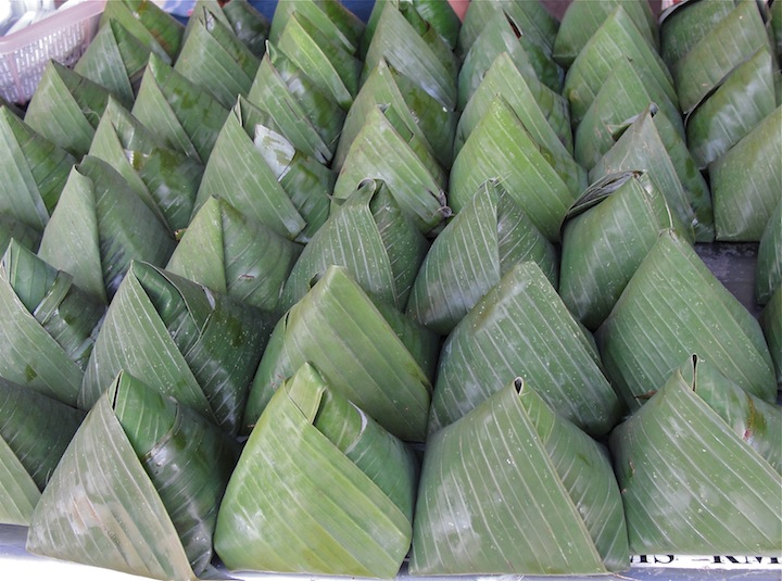nasi lemak sold at roadside stall.JPG